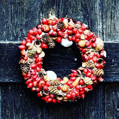 Christmas is truly upon us. We have a full house for lunch again today but we've got a couple of tables available tonight. Book online or call us on 01225 423417